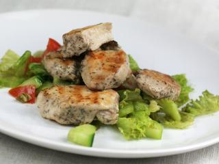 Grillezett csirke húsgombócok édesköménnyel