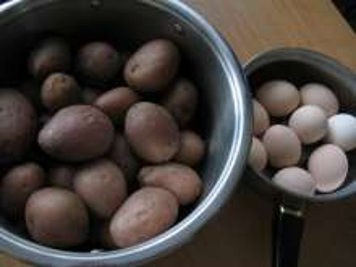 A krumpli és tojás elkészítése