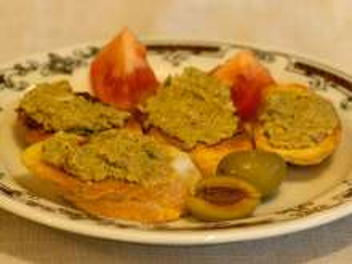Olajbogyós crostini