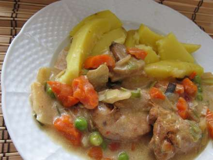 Marinírozott csirkehús ázsiai zöldséggel