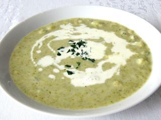 Brokkoli leves zeller galuskával