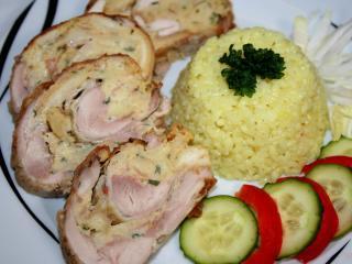 Csirke rolád péksüteményes töltelékkel