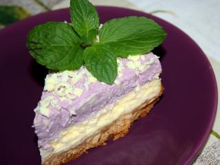 Cheesecake áfonyás tejszínhabbal