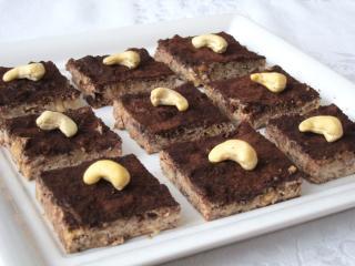 Csokoládés-mogyorós tofu kockák