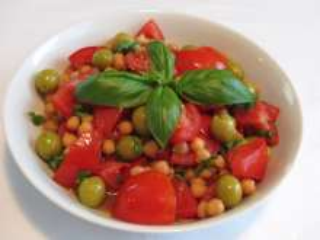 Paradicsomos csicseriborsó saláta
