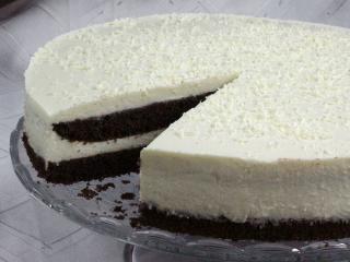 Kakaós-túrós torta fehércsokoládéval