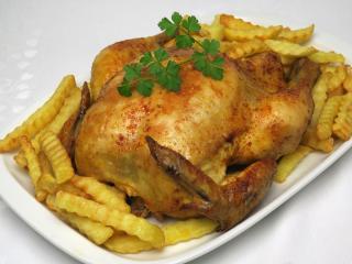 Paprikás sült csirke hasábburgonyával