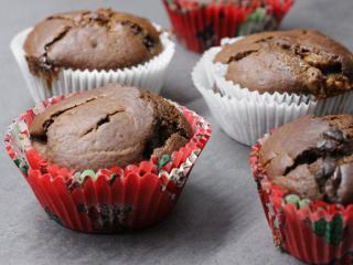 Kakaós muffin csokoládéval