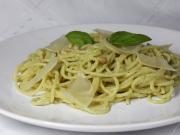 Spagetti pestóval genovai módra