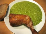 Füstölt csirkecomb, zöldborsó főzelékkel pároló edényben elkészítve.