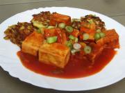 Tofu paradicsom mártásban